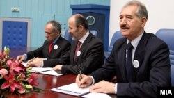 Кандидатите за градоначалници на град Скопје и скопските општини потпишаа Кодекс на однесување за слободни и фер избори.