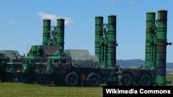 С-300 зенит-ракета тизимлари (иллюстратив сурат).