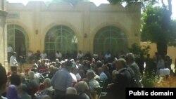 نمایی از مراسم بزرگداشت سالروز درگذشت محمد مصدق در ۱۴ اسفند سال ۱۳۸۸