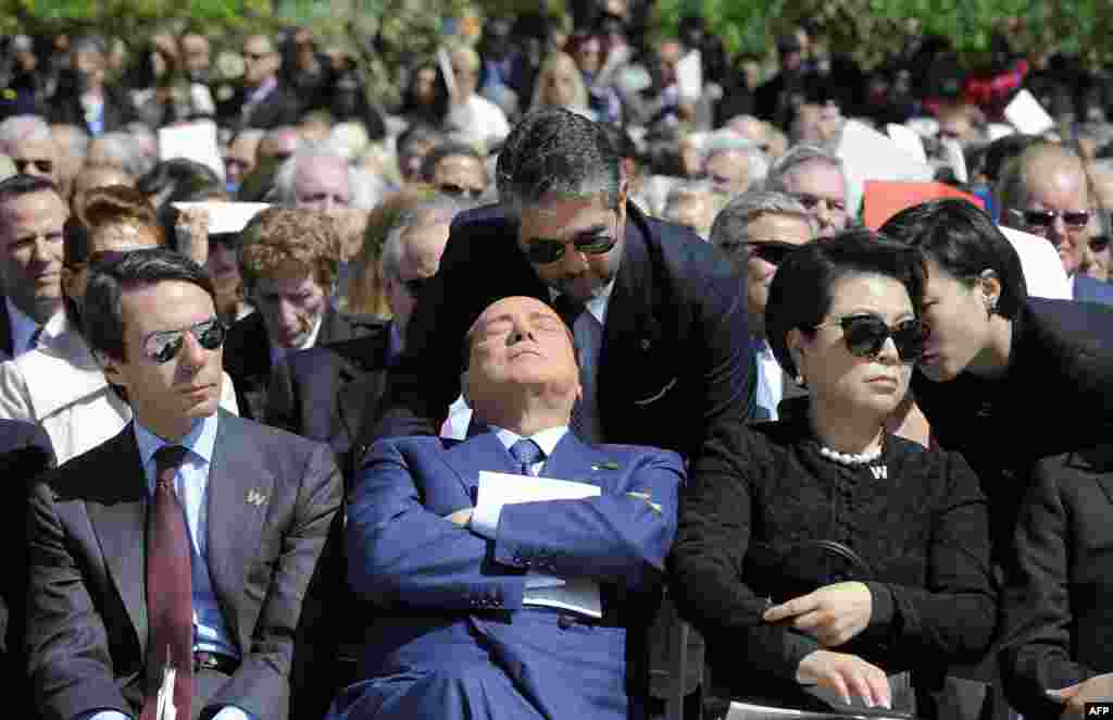 Former Italian Prime Minister Silvio Berlusconi (center) attends the George W. Bush Presidential Center dedication ceremony in Dallas, Texas. (AFP/Jewel Samad)