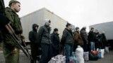Під час обміну утримуваними особами біля пункту перетину Майорськ в Донецькій області, Україна, 27 грудня 2017 року