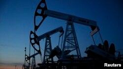 Нефтяные вышки, Когалым