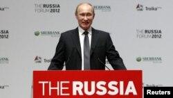 """Пуцін выступае на """"Форуме Россия 2012"""""""
