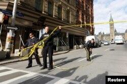 Вскоре после происшествия весь квартал вокруг здания парламента был перекрыт