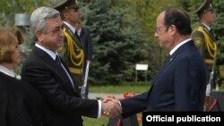 Президент Армении Серж Саргсян (слева) и президент Франции Франсуа Олланд (архив)