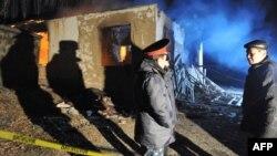 Беш-Күнгөй айылындагы террорчул делген топко каршы операциядан кийин, 5-январь, 2012.