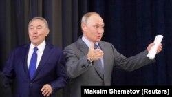 Бывший президент Казахстана Нурсултан Назарбаев (слева) и президент России Владимир Путин.