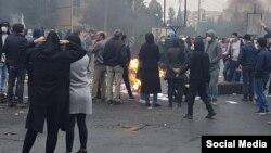 Háromszáz iráni tüntetőt öltek meg 2019. novemberében az Amnesty szerint.