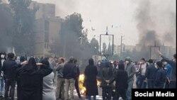 اعتراضات آبان ۹۸ با سرکوب گسترده و خشونتآمیز پلیس و نیروهای امنیتی مواجه شد