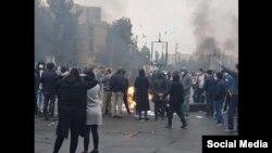 تصویری از اعتراضات آبان ۹۸ در ایران