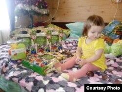 Василиса с подарками