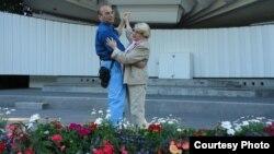 Лейла и Ариф Юнус танцуют танго. Баку.