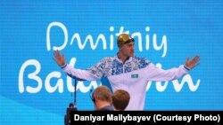 Пловец Дмитрий Баландин на пьедестале Олимпийских игр в Рио-де-Жанейро, 10 августа 2016 года.