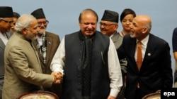 Indian Prime Minister Narendra Modi (L), Pakistani Prime Minister Nawaz Sharif (C) and Afghan President Ashraf Ghani (R) in Nepal in November 2014.