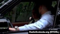 Олександр Співаковський відмовився відповідати, чиє авто, на якому він приїхав до «Залісся»
