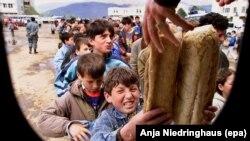 Refugjatët kosovarë në Kukës, më 20 prill 1999