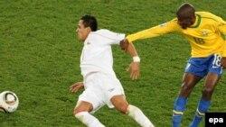 الکسیس سانچز در بازی مقابل بزریل در جام جهانی ۲۰۱۰