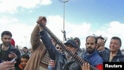 """Боевое оружие, используемое против населения Ливии, правозащитники называют """"преступлением против человечности"""""""