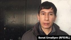 Блогер Аскар Шайгумаров после вызова в ДВД Западно-Казахстанской области. Уральск, 16 марта 2018 года.