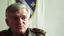 Bosnian Army General Jovan Divjak pictured here in Sarajevo in 1995