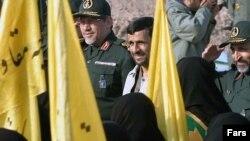 طرفداران محمود احمدی نژاد مسئولان قوه قضاييه را به دخالت در اختيارات دولت متهم می کنند
