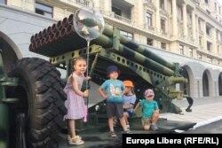 """La Tiraspol, în timpul repetiției pentru parada militară de pe 2 septembrie, când regiunea separatistă transnistreană a marcat 30 de ani de """"independență"""""""