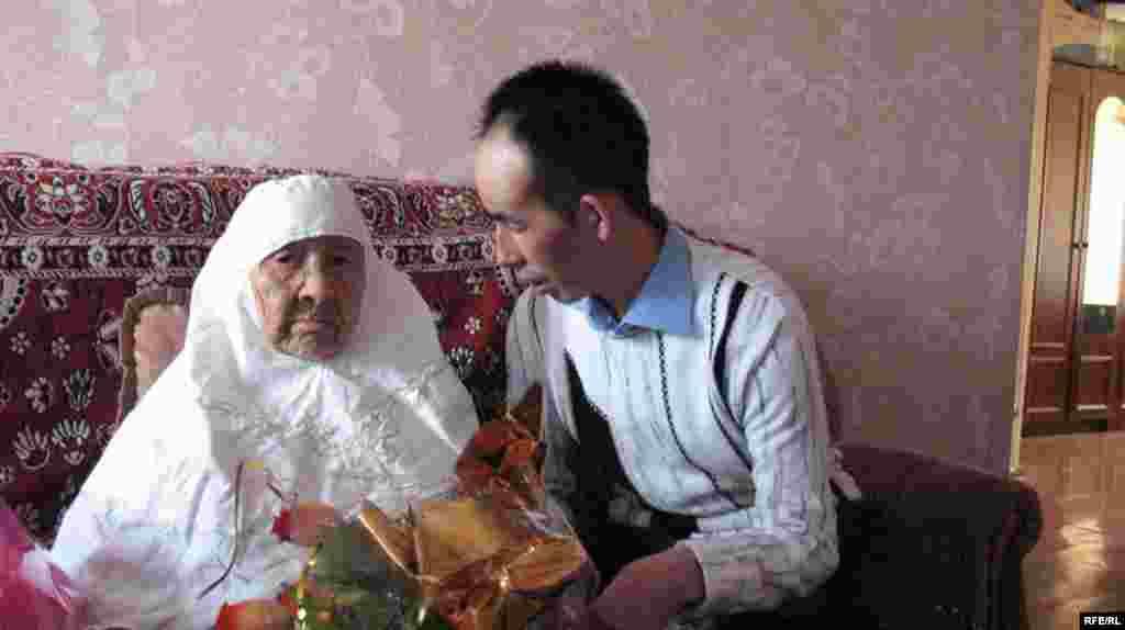 130 жасар Сахан Досова әлемдегі ең қарт адам #5