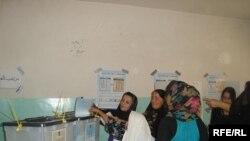 جانب من يوم الانتخابات في دهوك، 25 تموز 2009
