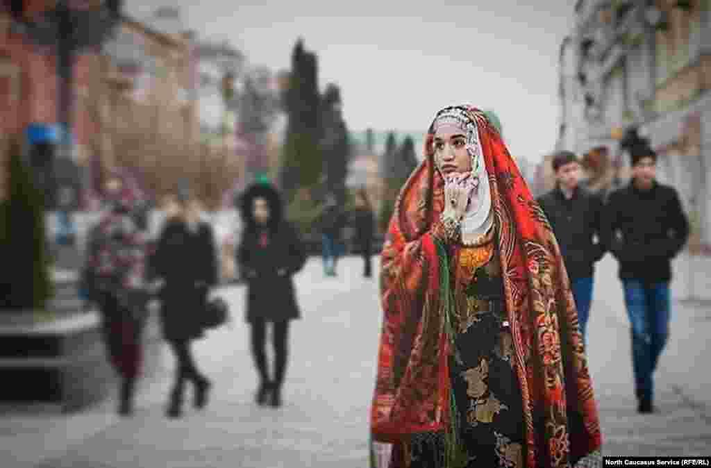 История национальных костюмов Дагестана исчисляется веками
