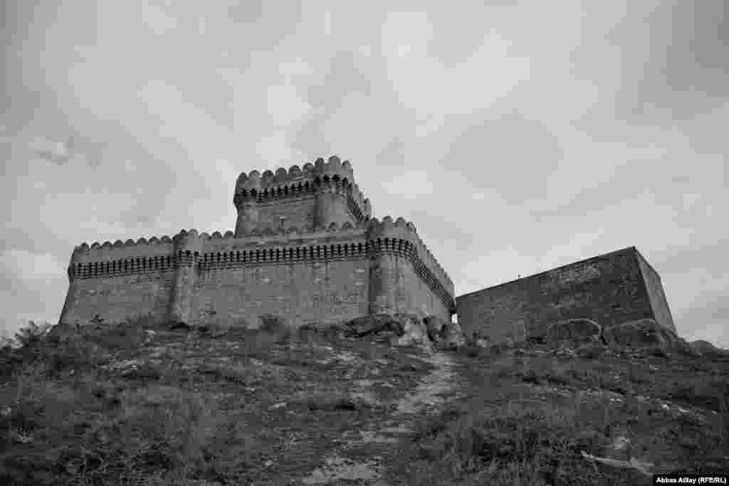 Bu qalada Nəsimi, Babək və Koroğlu kimi bədii filmlərdə epizodlar çəkilib. Və Koroğlu filminin çəkilişi zamanı, 1956-cı ildə qala sonuncu dəfə bərpa olunub.