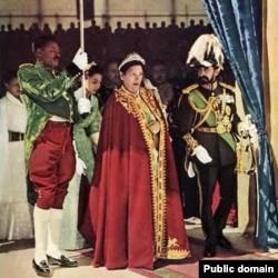 Хайле Селассие со своей супругой императрицей Менен