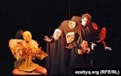 Театр кукол из Армении представляет спектакль «Крылатый» на Всемирном карнавале кукол. Алматы, сентябрь 2011 года.