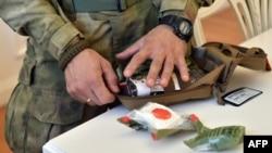 Волонтери забезпечили воїнів медичними аптечками за стандартами НАТО