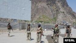 وزارت خارجۀ افغانستان از ساخت این دروازه انتقاد کرده و آن را مغایر حسن همجواری خواندهاست.
