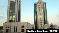 Үкімет пен парламент үйі, Астана. (Көрнекі сурет).