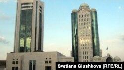 Здание правительства и парламента Казахстана в столице