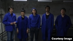 "Echipa de actori a Teatrului Spălătorie la piesa ""Requiem pentru Europa"" (Nora Dorogan, Nicoleta Esinencu, Kira Semionov, Doriana Talmazan, Artiom Zavadovsky)"