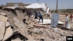بيت دمرته الغارة الأميركية التي قتلت أبو مصعب الزرقاوي في هبهب بمحافظة ديالى، 8 حزيران 2006