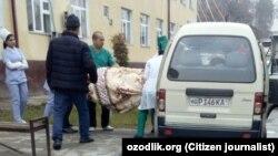 В Андижане администрация онкологического диспансера отправила тело умершего пациента домой на попутном такси.