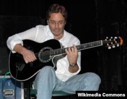Эл Ди Меола, гитара