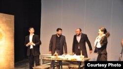 Heydər Əliyev adına Tbilisi Dövlət Dram Teatrında bir tamaşa.