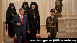 Петр Порошенко и патриарх Константинопольской церкви Варфоломей