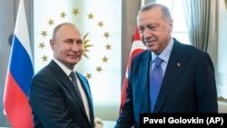 рускиот претседател Владимир Путин и турскиот претседател Реџеп Таип Ердоган