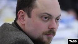 Vladimir Kara-Murza attends the second meeting of the recently elected Opposition Coordination Council in Moscow in November 2012.