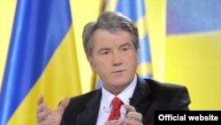 Исход политических событий на Украине предсказать невозможно, считает киевский журналист