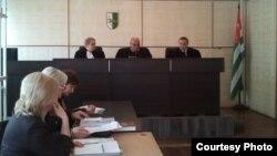 Председательствующая на суде Мадина Логуа объявила, что следующее заседание по делу сотрудников Пицундского отдела милиции состоится 7 июля. На нем, очевидно, и будет объявлен приговор