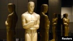 Oscar mükafatı heykəlciyi.