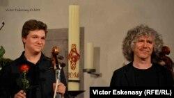 Violonceliștii Andrei Ioniță și Steven Isserlis la Kronberg
