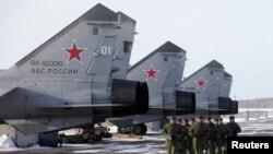 MiG təyyarələri