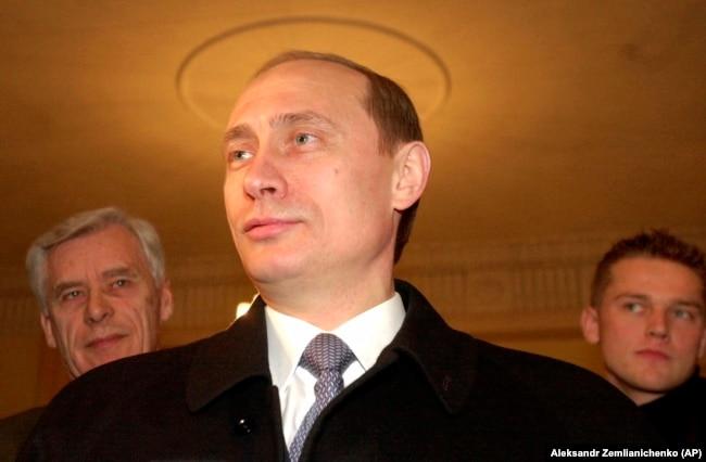 Путин на избирательном участке, 26 марта 2000 года